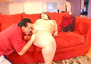 lorelai givemore (plump large pretty woman) &